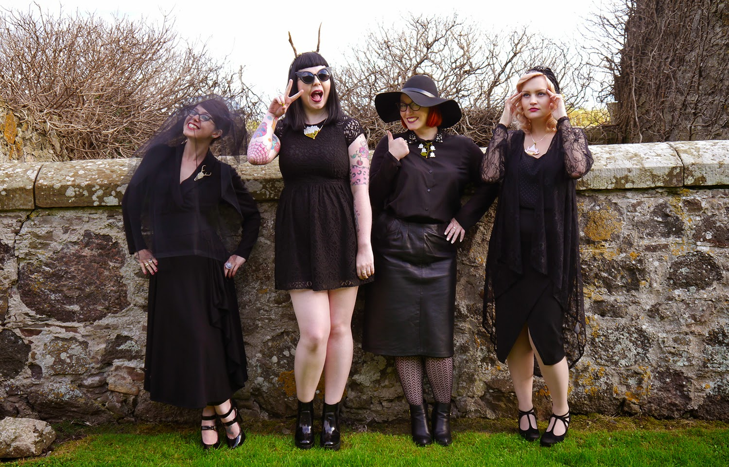 Halloween Girl Gang, #halloweengirlgang, witch style, gothis style, goth, Coven outfit, American Horror Story Style, Miss West End Girl, Miss Vicky Viola, Wardrobe Conversations, Halloween outfit inspiration, witch costume, costume inspiration, Halloween ideas