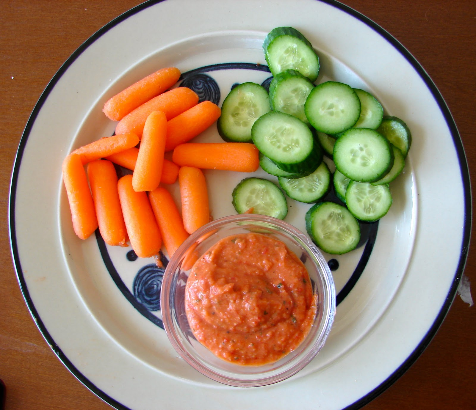 Pretty. Awkward. Life.: White bean and roasted red pepper dip