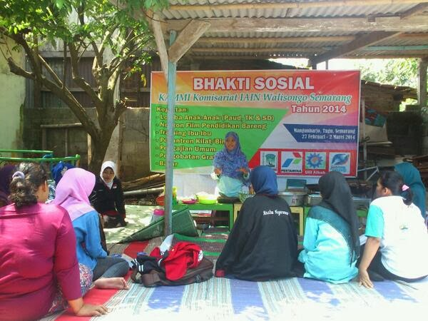 KAMMI, KAMMI Semarang, Pelatihan pembuatan abon ikan, Baksos KAMMI, KRC, Semarang, mangunharjo