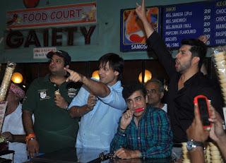Vivek Oberoi Aftab At Gaiety Galaxy 31.JPG