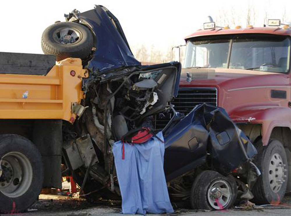 motor crash Every driver in a crash involving $1,000 or more in property damage, or injury or death, must complete this form and send it to driver and vehicle services within 10 days failure to provide this information is a misdemeanor under minnesota statute 16909, subdivision 7.