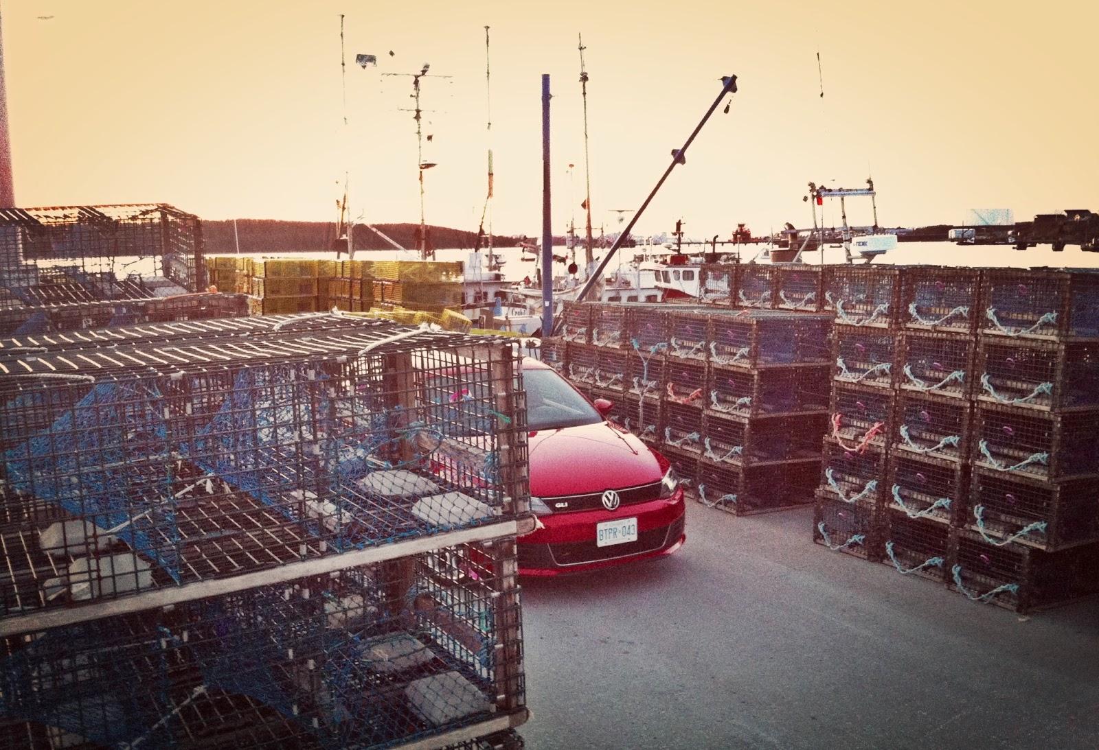 2014 Volkswagen Jetta GLI front angle