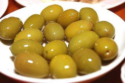 تخليل الزيتون الاخضر - مخلل الزيتون