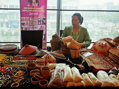 WireBliss - Bakelalan Woman Jewelry at BIBCO 2013