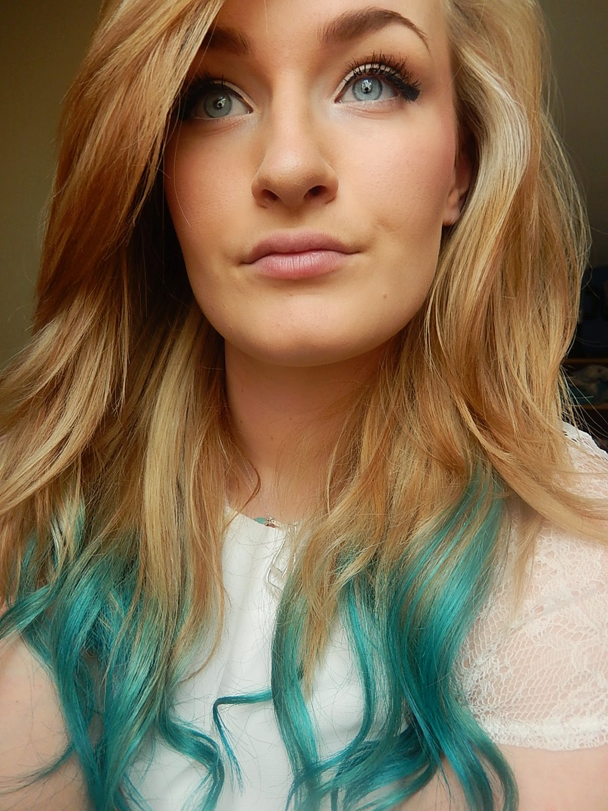 Mermaid dip dye hair from Beka's Beauty. UK Beauty Blogger. Blue dip dye hair