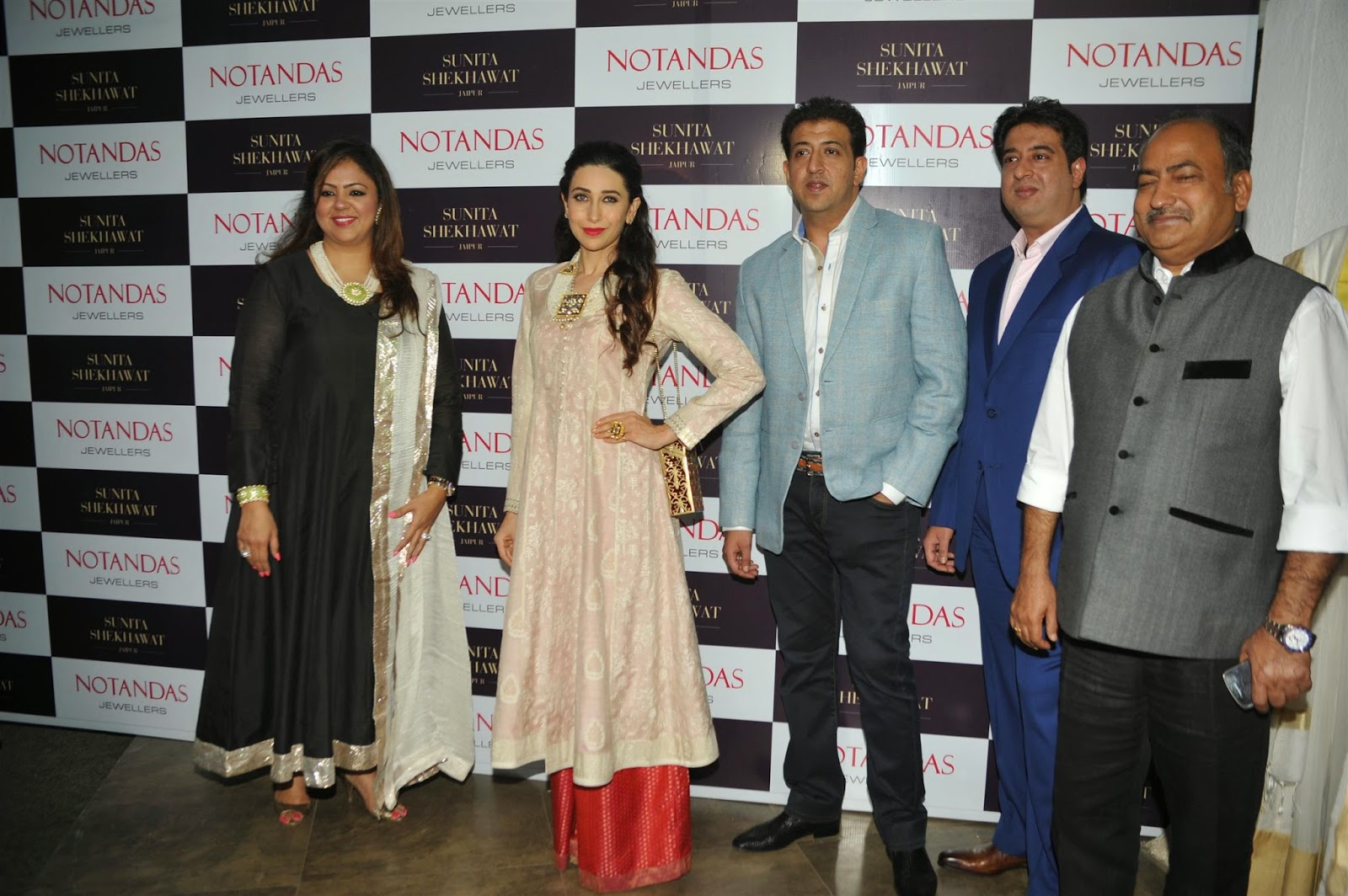 Karisma Kapoor Launch Sunita Shekhawat's Jewellery Stills