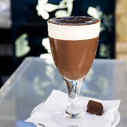 Rhum authentique des Caraïbes et du chocolat chaud