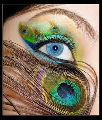 Peacock Patterned Eye Makeup