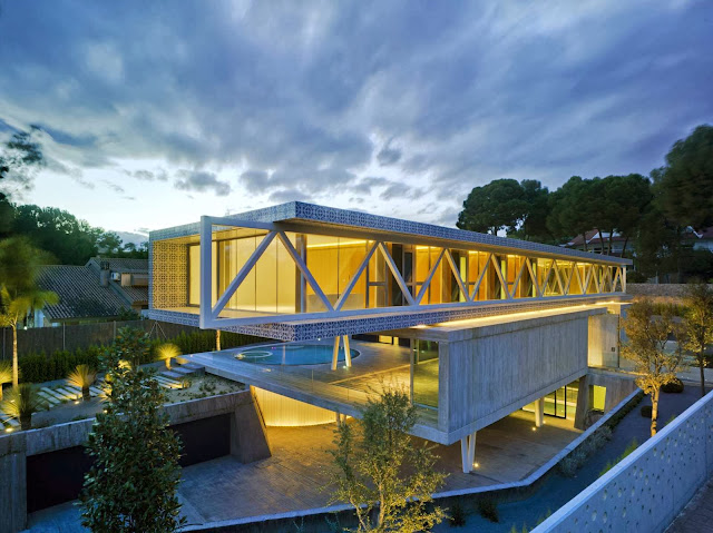 01-4-in-1-house-by-Clavel-Arquitectos