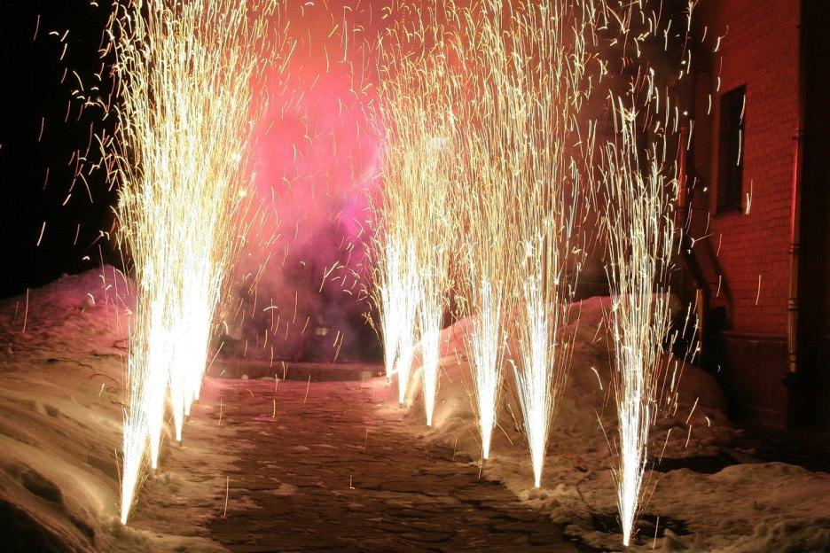Праздничное агентство «FIESTA» в Волгограде и Волжском: Пиротехническое шоу на праздник в Волгограде и Волжском