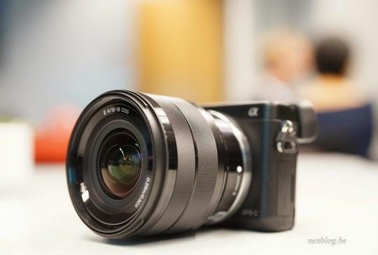 Sony SEL 10-18mm f/4 OSS