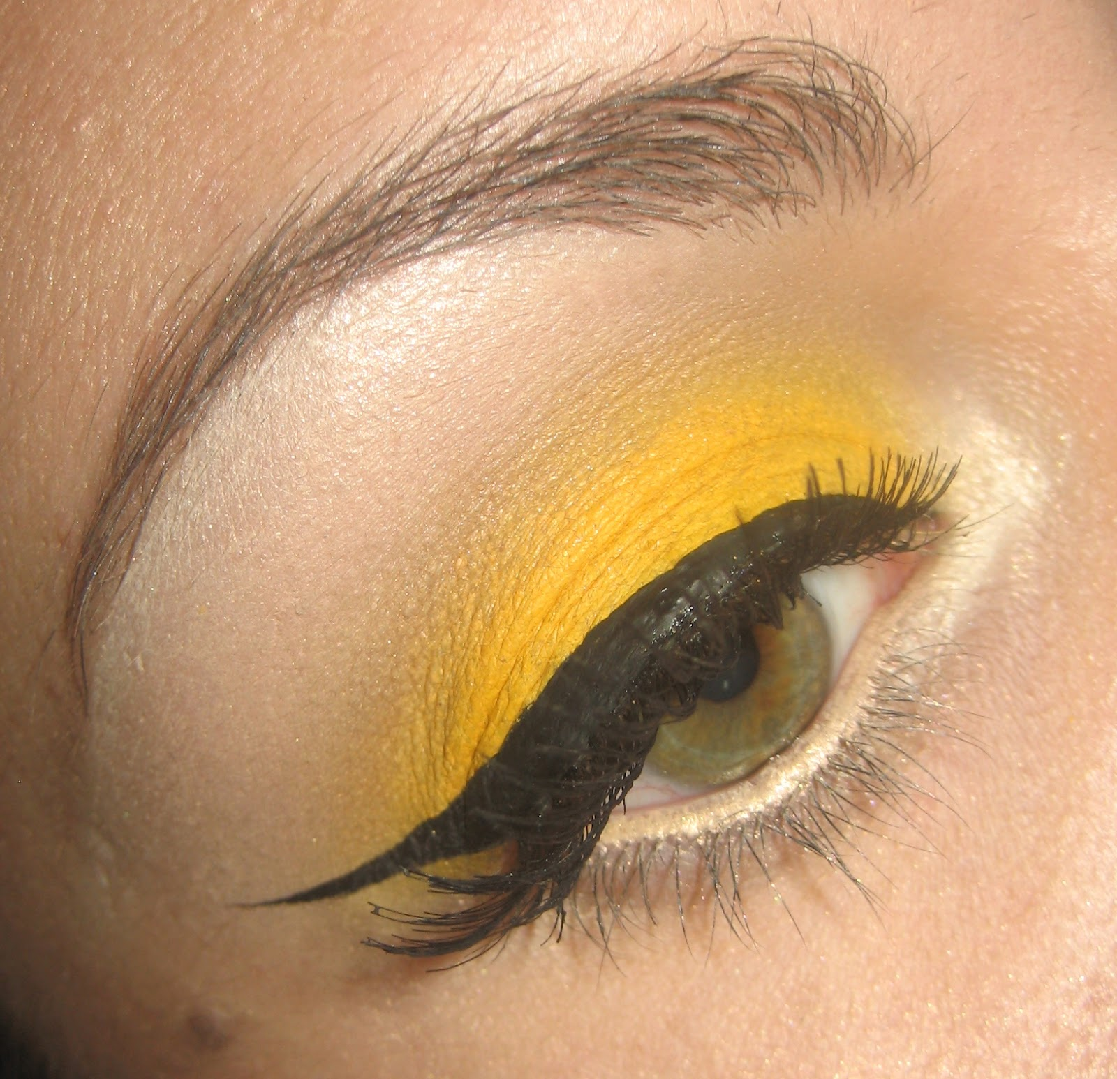 Clairemakeupstudio Make Up Tutorial How To Yellow Eye Shadow And