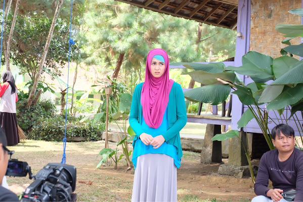 Nina Zatulini as Aida di Sinetron Pangeran SCTV