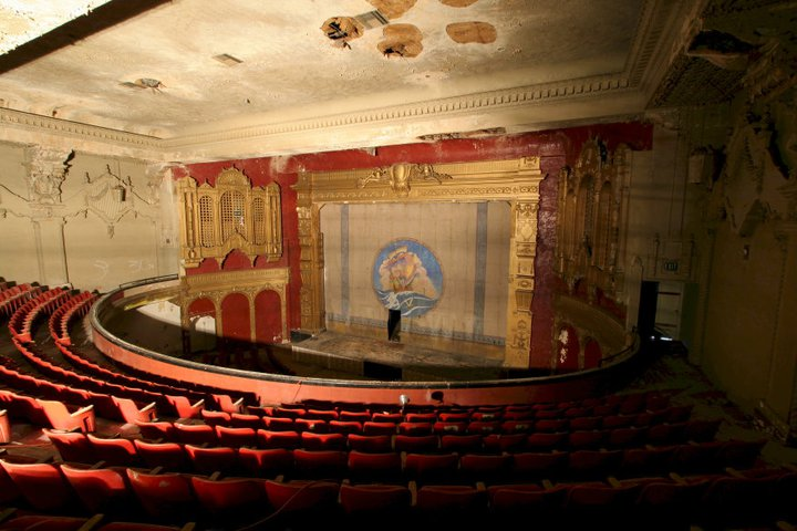 Jerry S Brokendown Palaces California Theater 1122