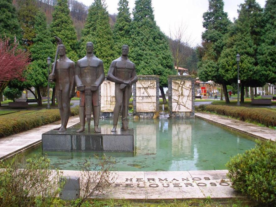 Monumento a los hermanos Felgueroso, Ciaño