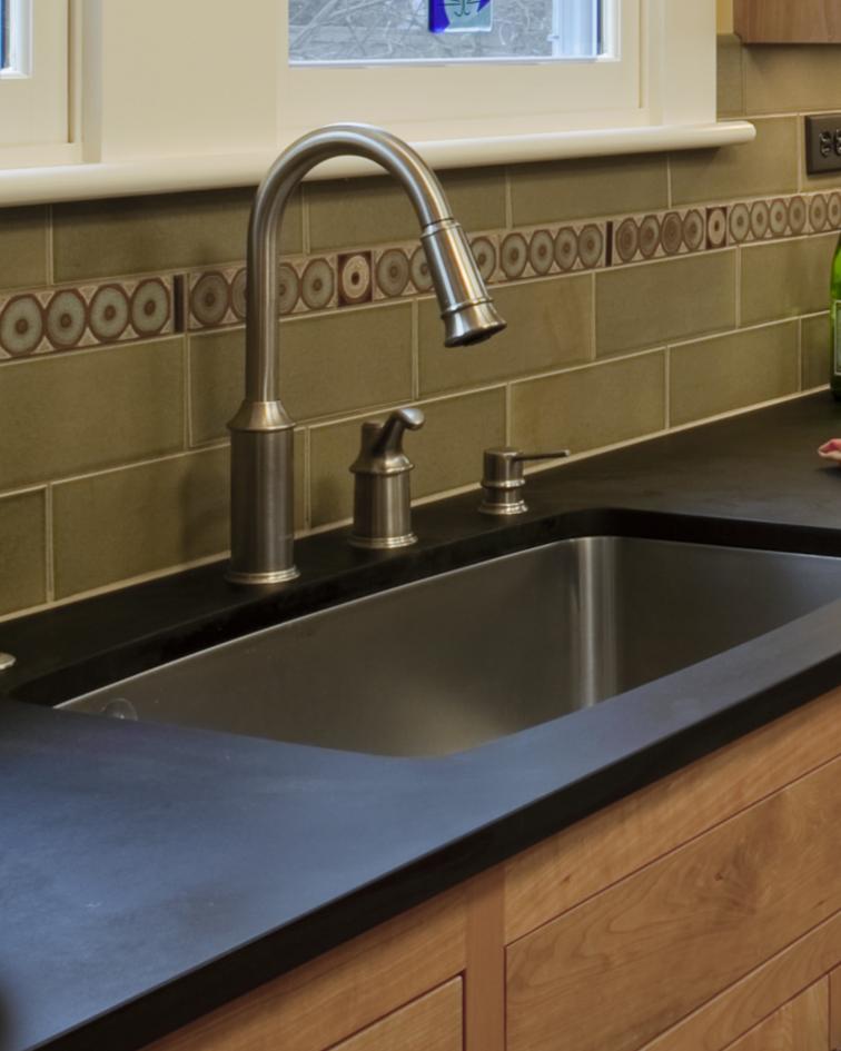 Kitchen Sink With Backsplash: Pratt And Larson Tile: Tile For Your Craftsman Home