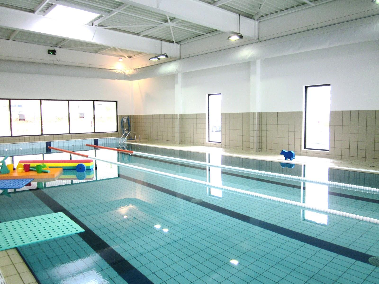 Le blog de marie line ouverture d 39 une piscine 5 min de for Piscine quimper aquarive