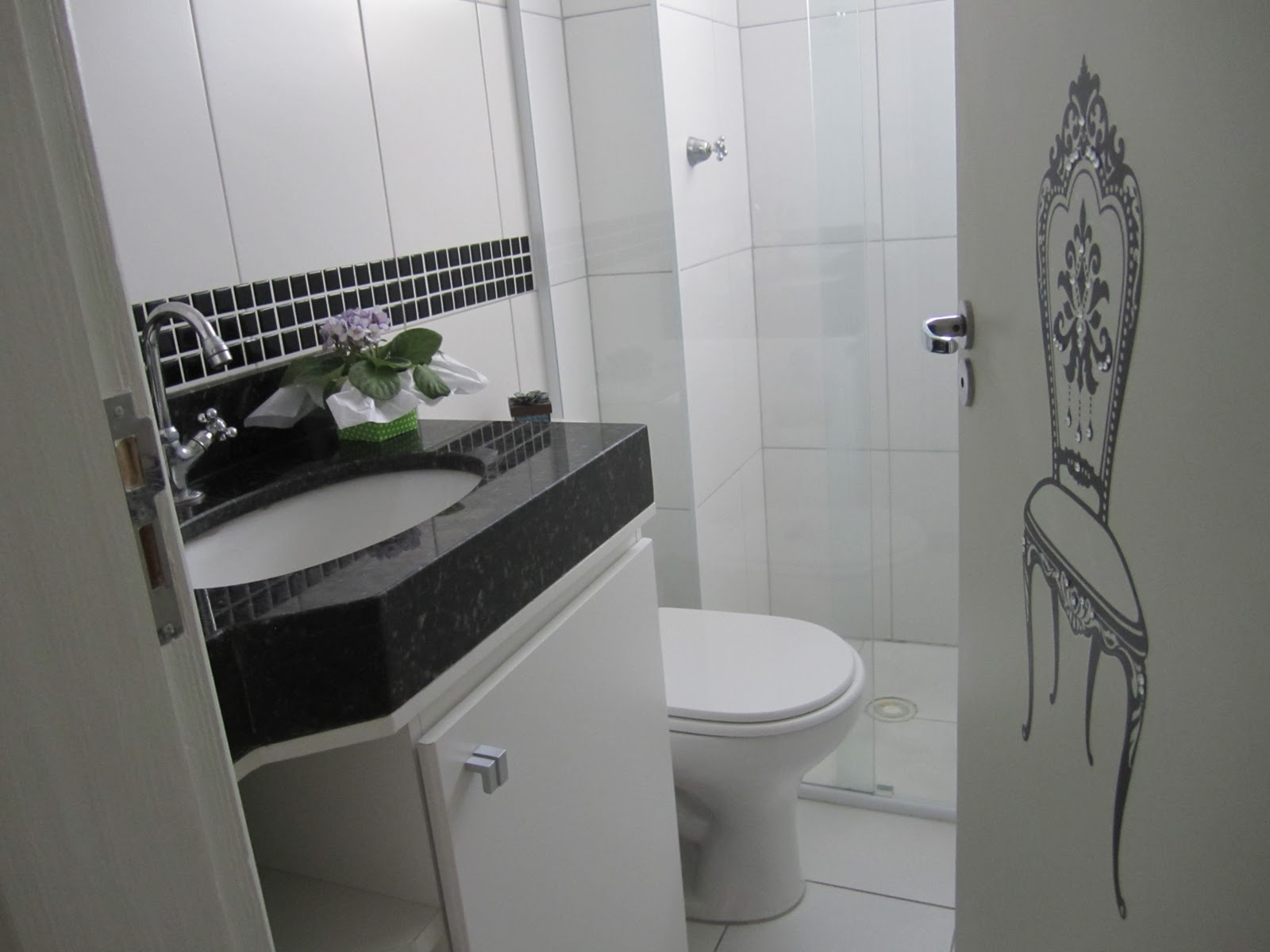 Do Apê ao Sobradinho: Novo banheiro #50584A 1600 1200
