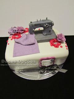 Bolo de aniversário da costureira Sara