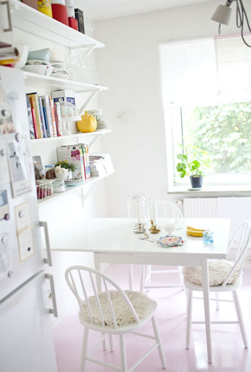 Mimmistaaf+Bright+White+Kitchen+with+open+shelving Mimmistaff Crochet Lovelies