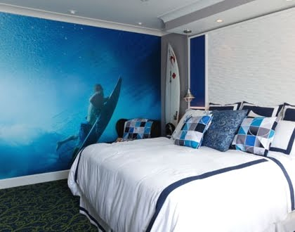 Coastal bedroom design ideas from hotels completely coastal for Surfers bedroom design