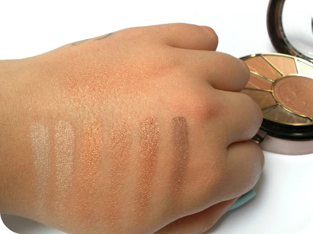 A picture of Sunkissed Bronzing Radiance Compact eye and cheek swatches