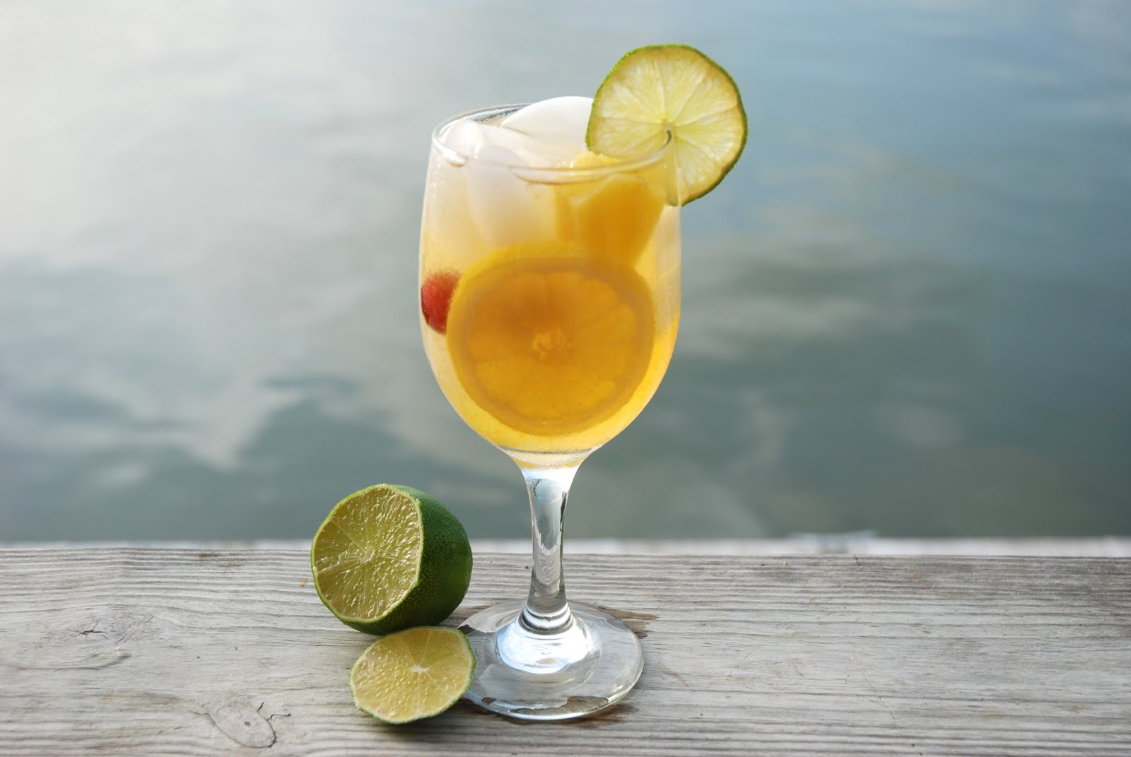 Fleur De-Lectable: White Wine Peach Sangria