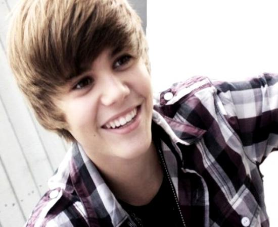 Justin Bieber Hairstyles and hair color 2012