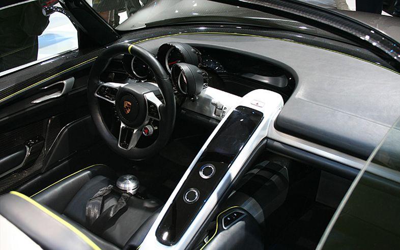 2012 Porsche 918 Spyder Interior