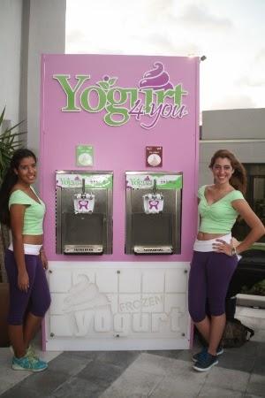 Oriana Calagna y Andrea, con la Marca Yogurt4 You
