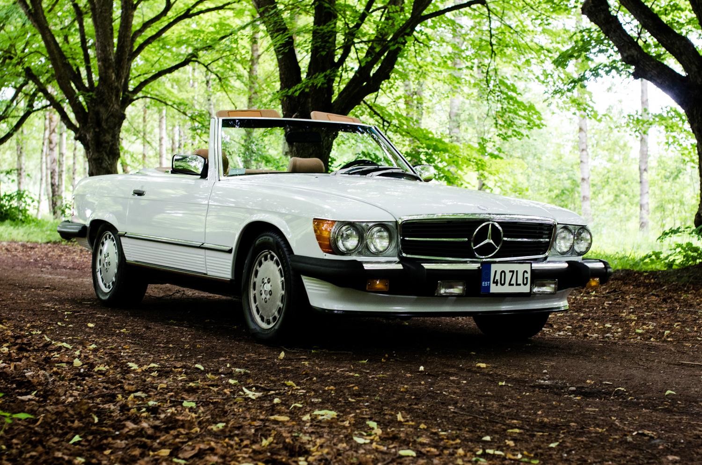 Legendary cars mercedes benz 560sl r107 1988 for Mercedes benz 560sl