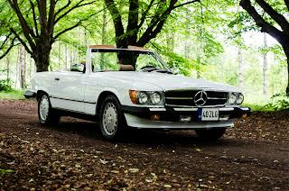 22 Mercedes-Benz 560SL R107 1988