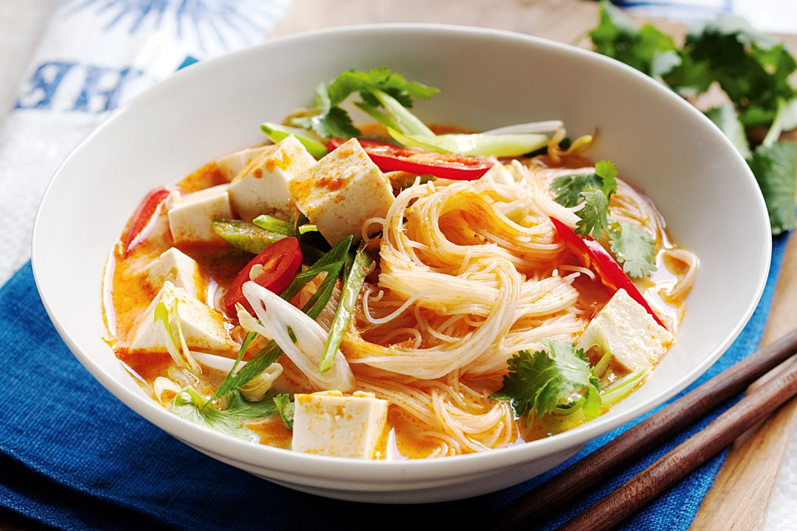 Food appetite: Creamy coconut and vegetable laksa