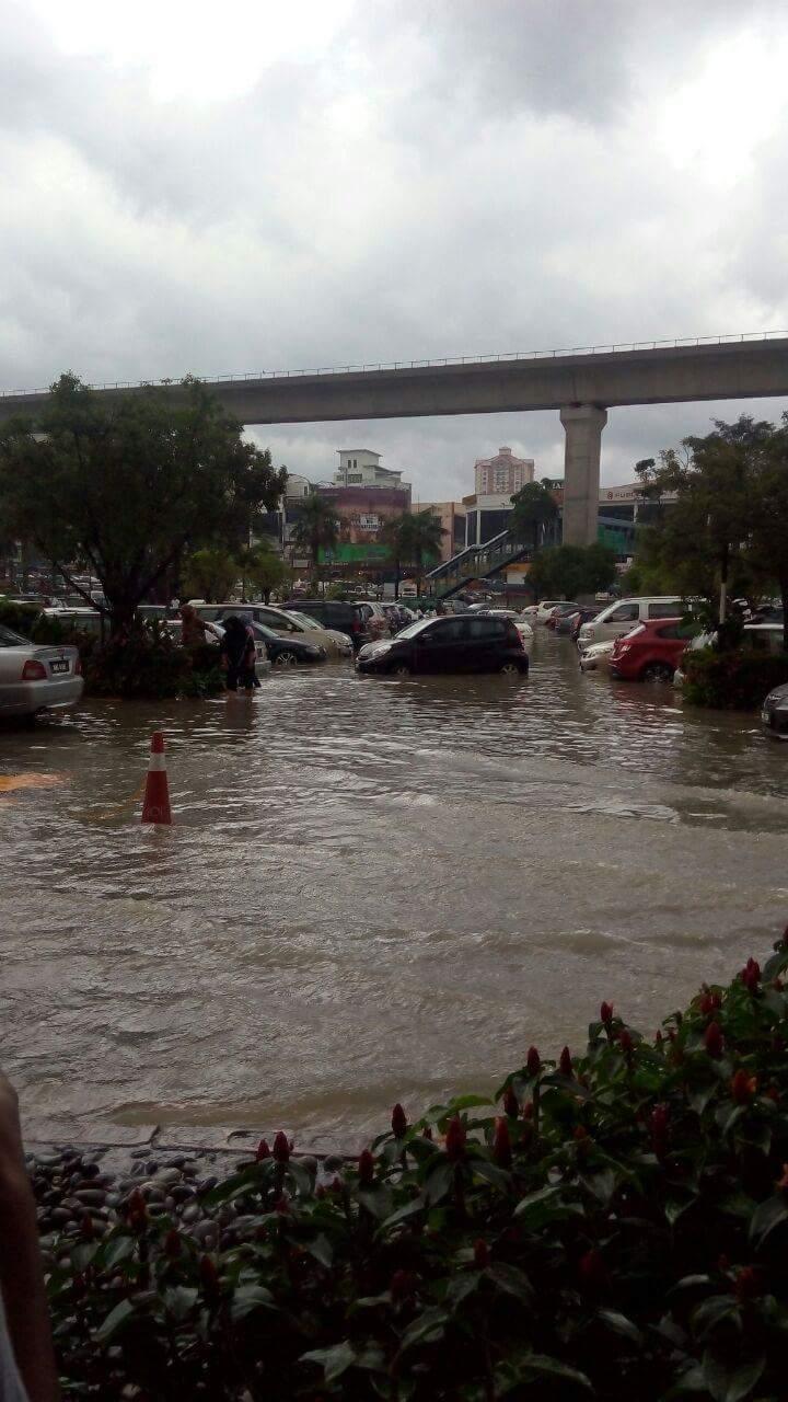 banjir ioi mall puchong