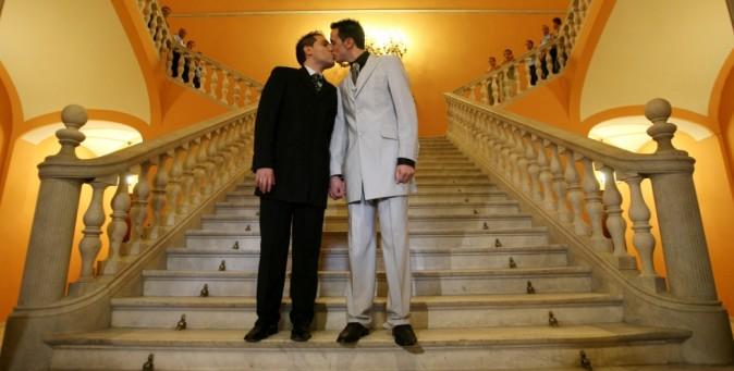 Matrimonio Omosessuale In Italia : Voce lgbt change petizione per matrimoni omosessuali