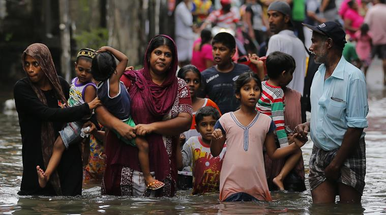 500,000 evacuated as Cyclone Roanu smanshes into Bangladesh: Death toll more than a hundred with...