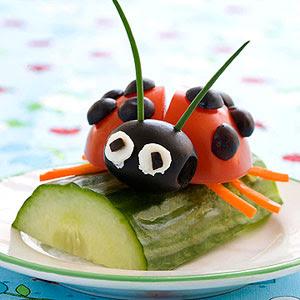 mariquita hecha con vegetales