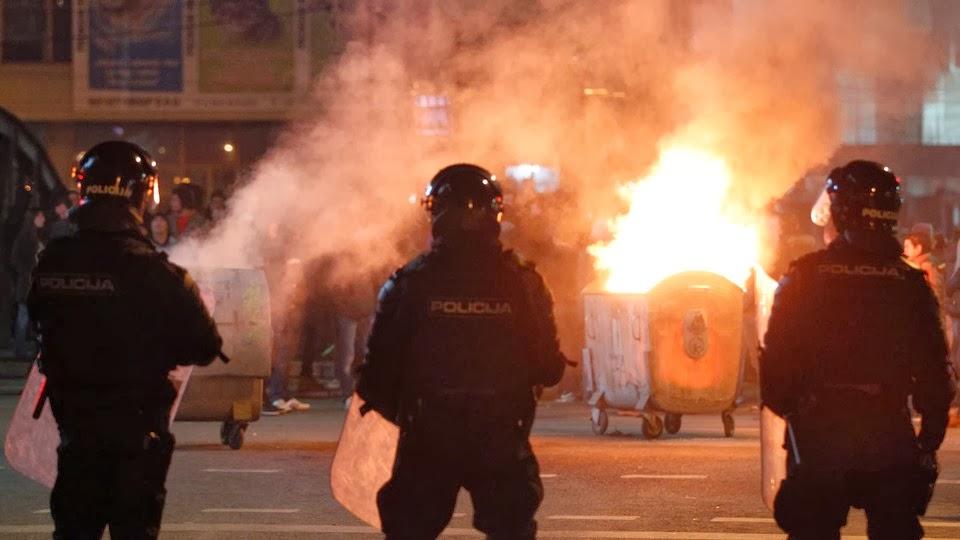 Bósnia e Herzegovina, Desempregados, Confrontos com a Polícia