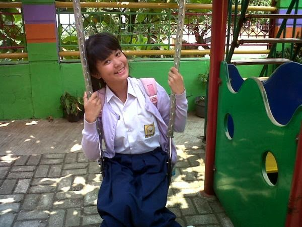 Foto Delima Rizky JKT48 Waktu Masih SMP Pakai Sragam SMP