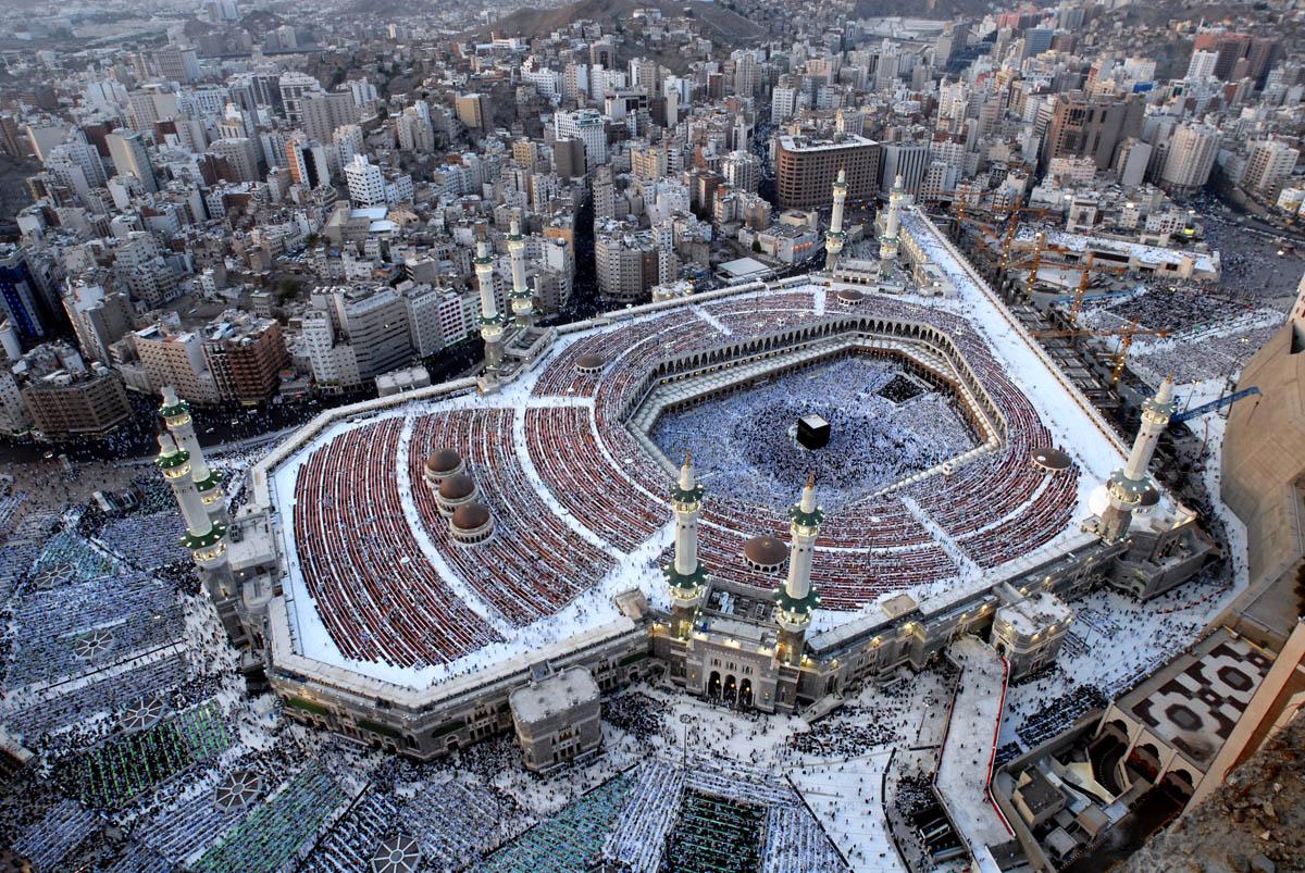 http://1.bp.blogspot.com/-aBy9_165bwI/TiksxB6UN9I/AAAAAAAAAu8/WR2tZaWKrGo/s1600/Wallpaper-Islamic-08111305.jpg