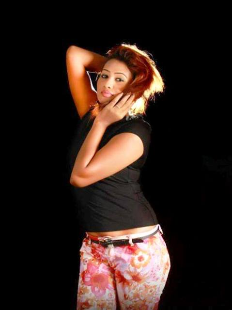 Piumi Hansamali fashion show hot photos