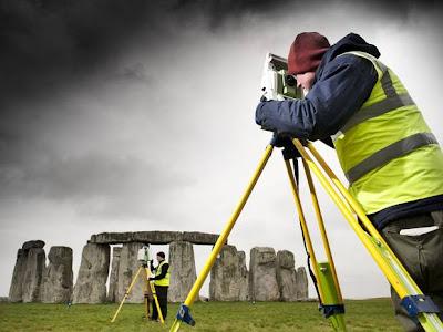 Laser scanning reveals new Stonehenge evidence
