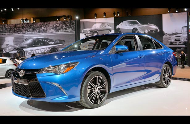 toyota camry pics and prices