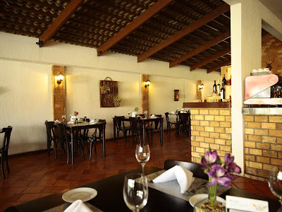 All Saints Restaurantes: Ambiente