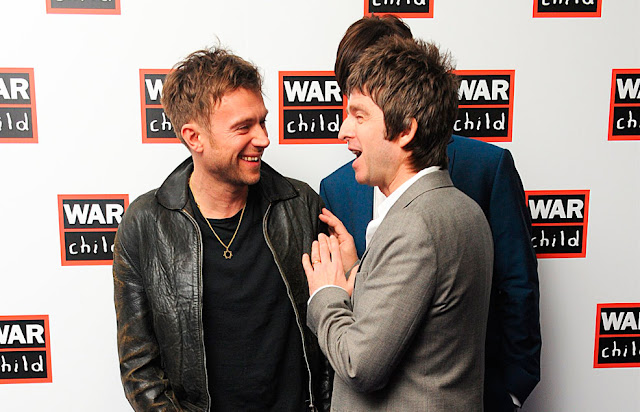 damon albarn noel gallagher 2013, noel gallagher damon albarn, noel damon 2013, noel damon brits, brit awards 2013 oasis, noel gallagher aids, damon liam gallagher, brits 2013 damon, oasis blur