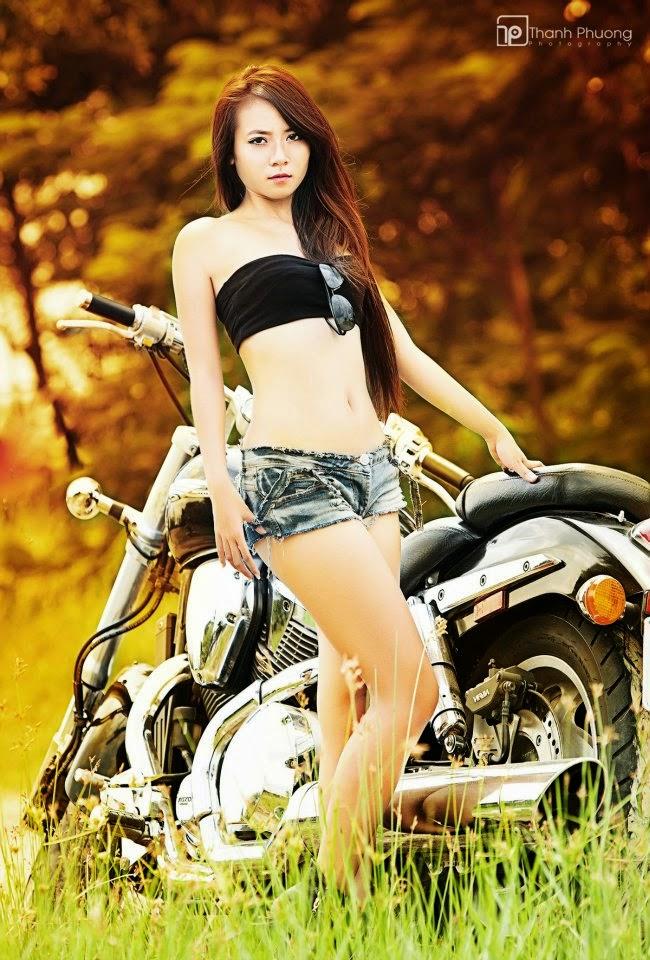 Hot girl Nấm Linh khoe đường cong tuyệt đẹp