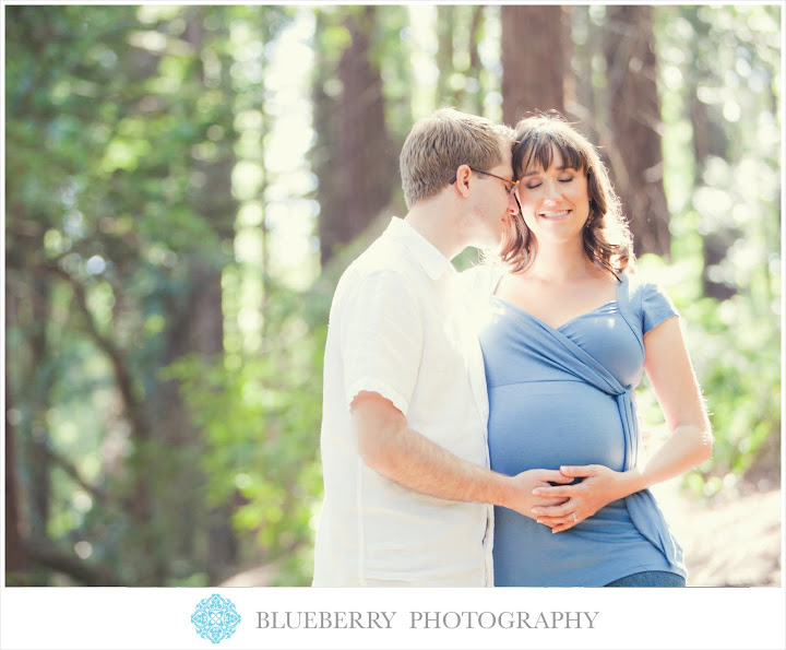 Berkeley natural lighting maternity photography session in redwoods