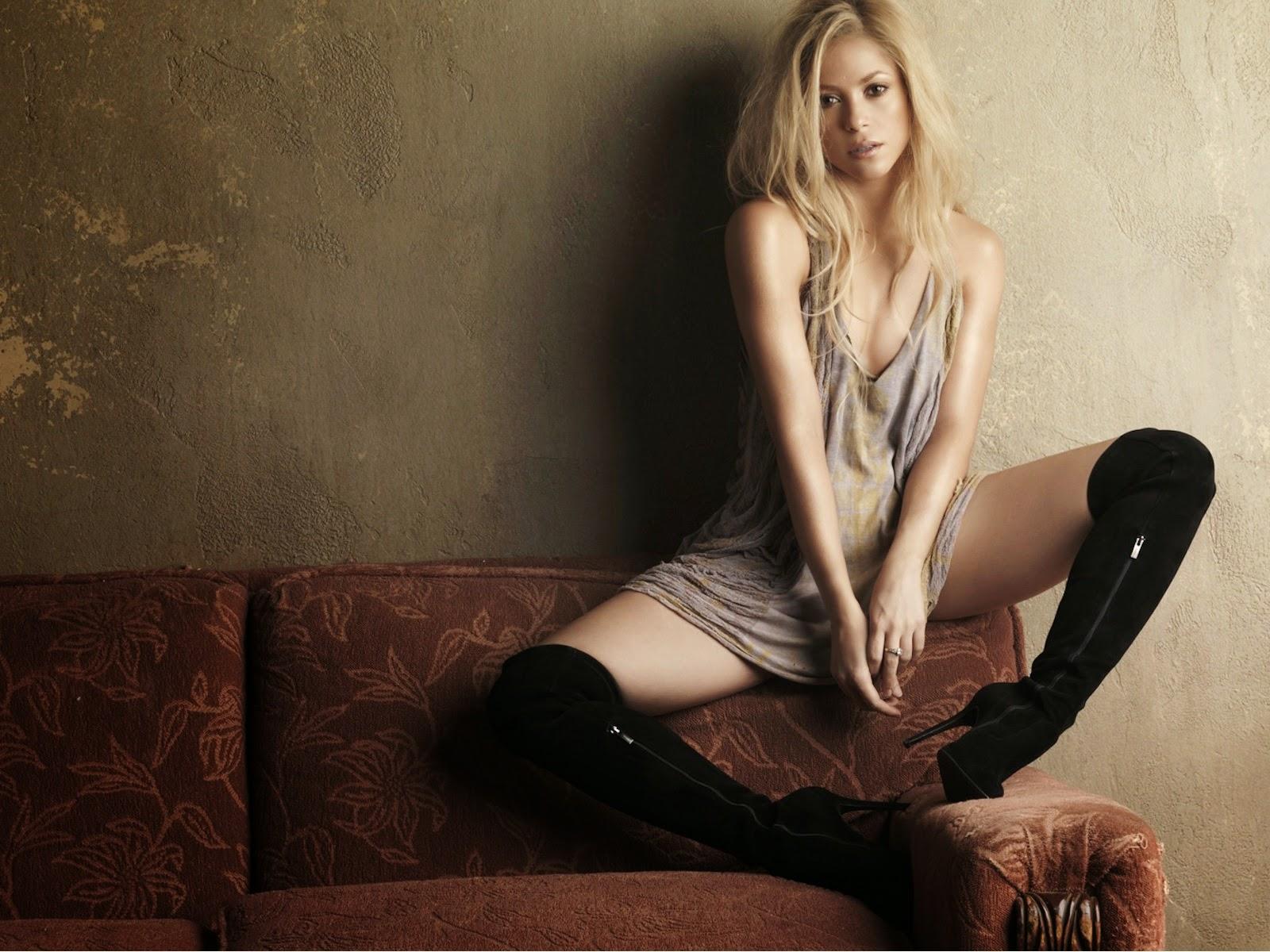"""<img src=""""http://1.bp.blogspot.com/-aD0hq6xRr0k/U8WE6RWUB9I/AAAAAAAALz0/4c2OHXyyylU/s1600/shakira-hd-wallpaper.jpeg"""" alt=""""Shakira HD Wallpaper"""" />"""