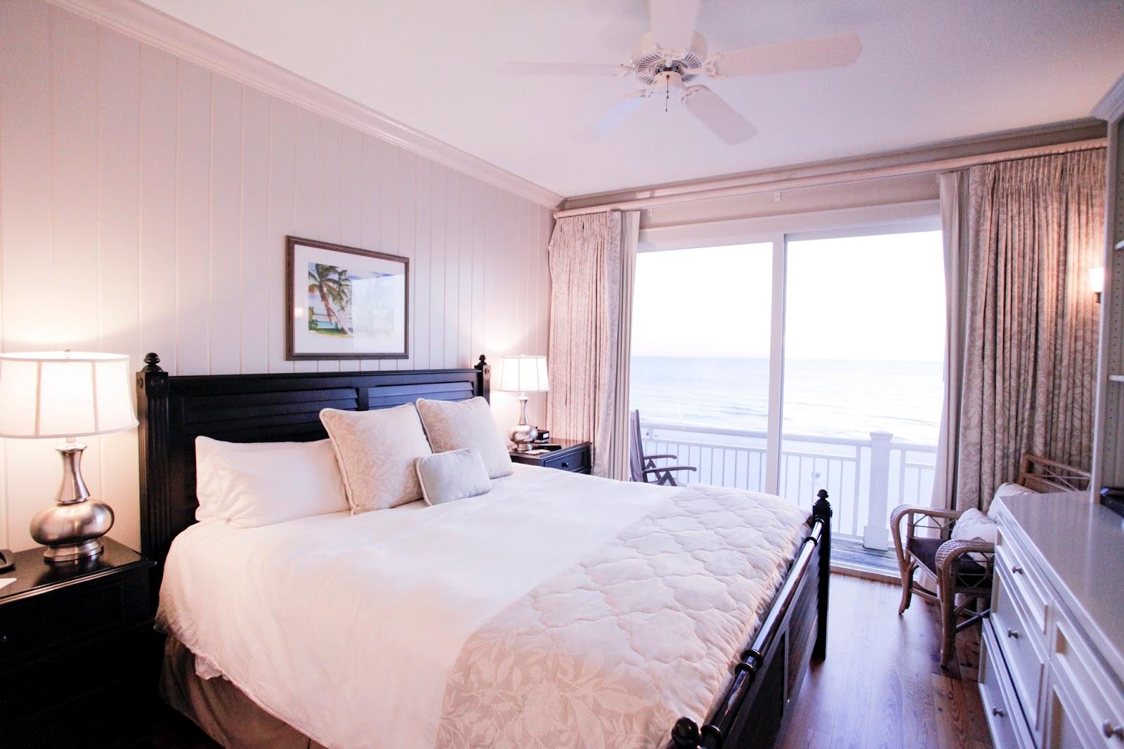 Master room of three bedroom vacation rental at Mainsail Beach Inn in Anna Maria Island