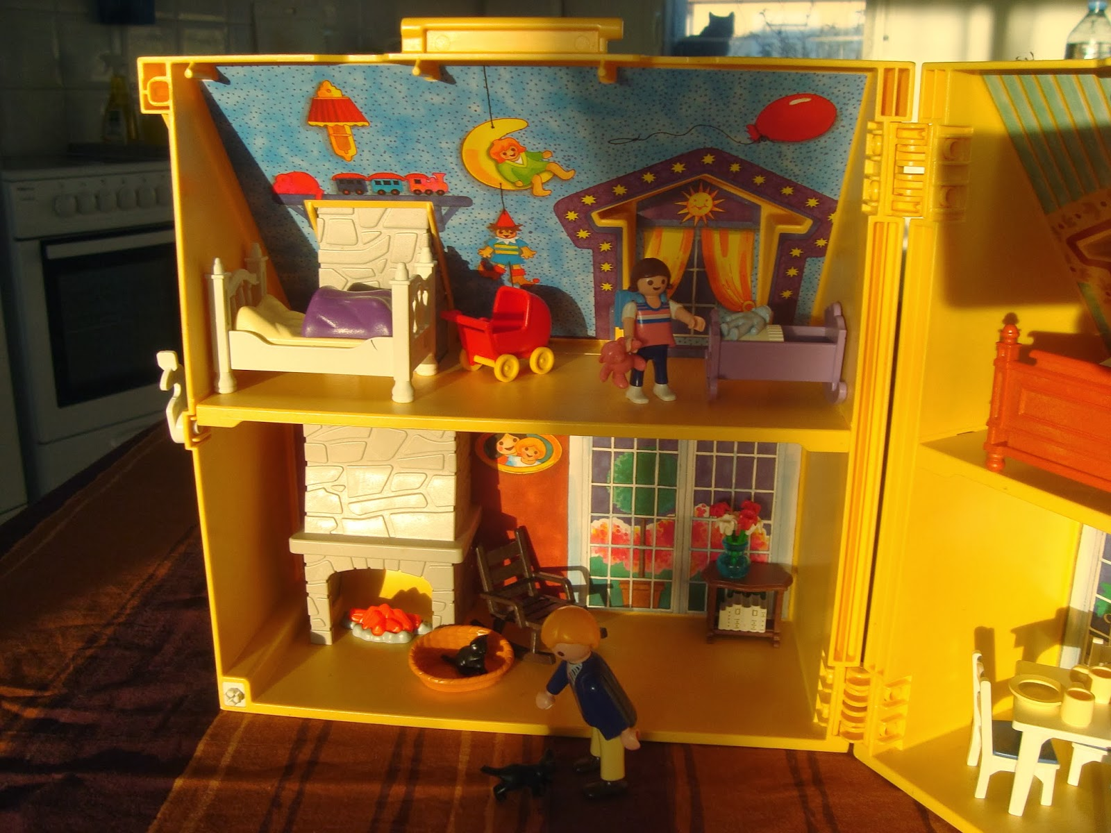 dioramas playmobil playmobil ref 4145 diorama maison. Black Bedroom Furniture Sets. Home Design Ideas